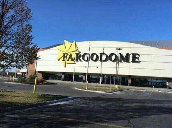 Fargodome, secção: Outside