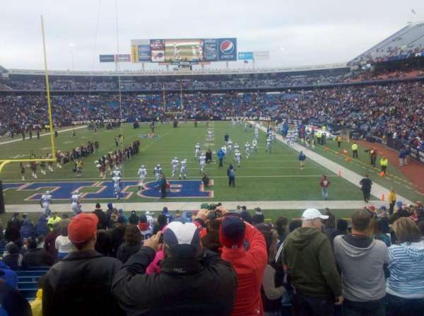Buffalo Bills Stadium, secção: 121, fila: 24, lugar: 13