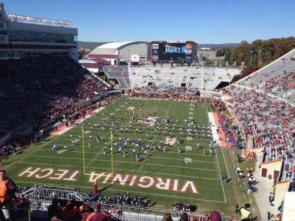 Lane Stadium, secção: 504, fila: J, lugar: 16