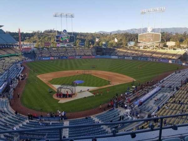 Dodger Stadium, secção: 4RS, fila: D, lugar: 9
