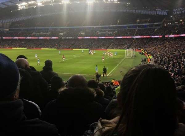 Etihad Stadium (Manchester), secção: 121, fila: z, lugar: 581
