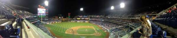Citizens Bank Park, secção: 325, fila: 1, lugar: 21