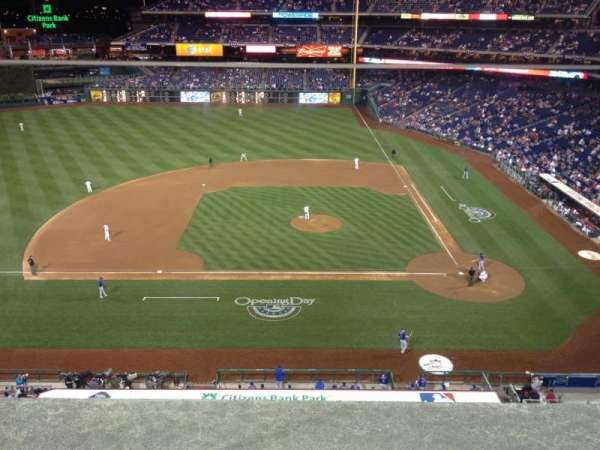 Citizens Bank Park, secção: 325, fila: 1, lugar: 20