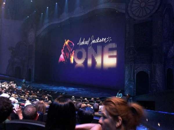 Michael Jackson One Theatre, secção: 103, fila: N, lugar: 14