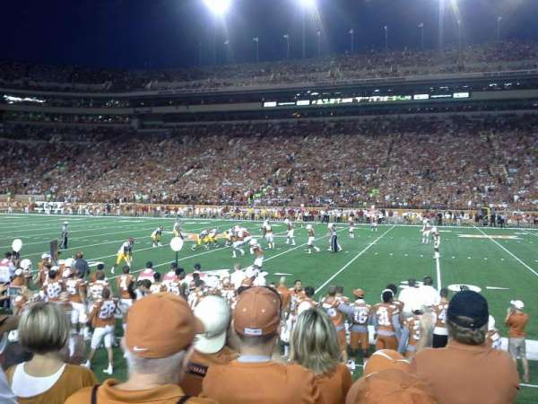 Texas Memorial Stadium, secção: 4, fila: 5