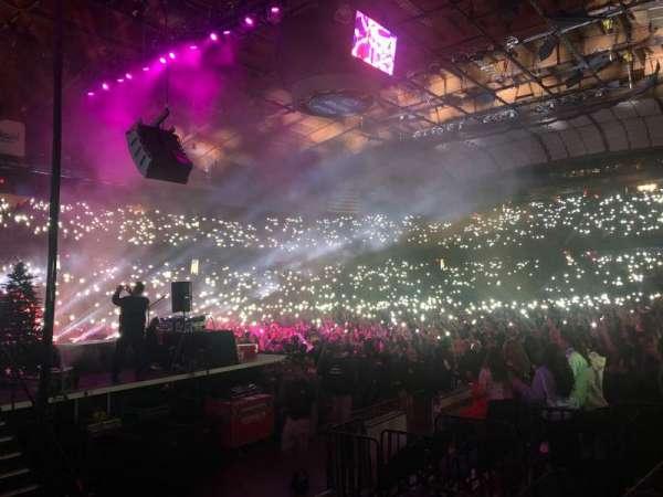 Allstate Arena, secção: 104, fila: A, lugar: 16