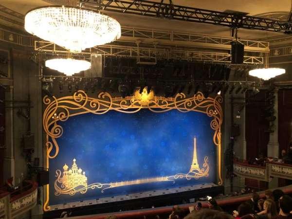 Broadhurst Theatre, secção: Mezzanine L, fila: H, lugar: 3