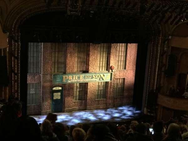 Al Hirschfeld Theatre, secção: Mezzanine L, fila: Q, lugar: 15