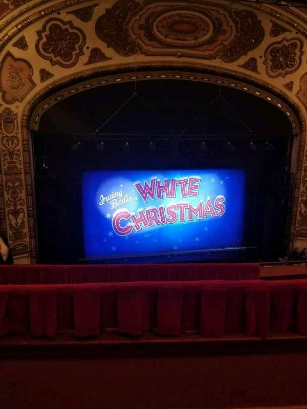 Cadillac Palace Theater, secção: Balcony LC, fila: E, lugar: 306