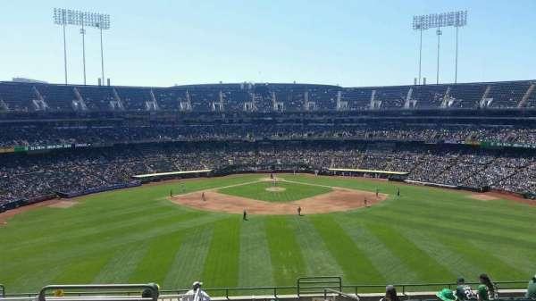 Oakland Coliseum, secção: 243, fila: 13, lugar: 3