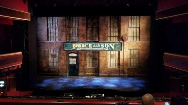 Adelphi Theatre, secção: Dress Circle, fila: D, lugar: 18