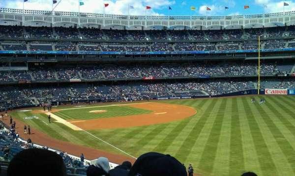 Yankee Stadium, secção: 209, fila: 6, lugar: 11