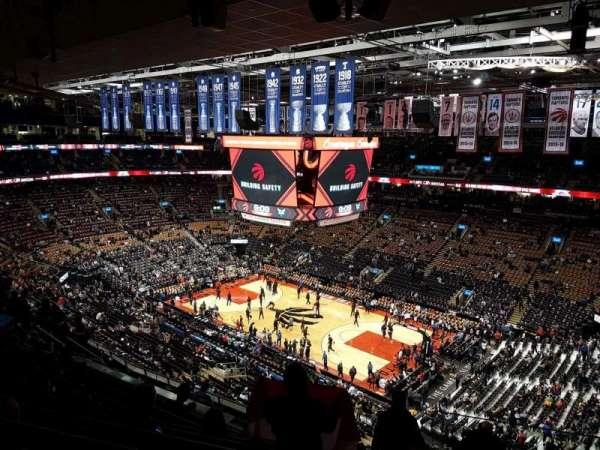 Scotiabank Arena, secção: 319, fila: 12, lugar: 1