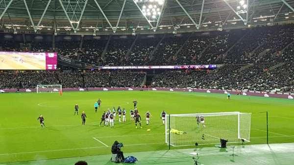 London Stadium, secção: 119, fila: 23, lugar: 64