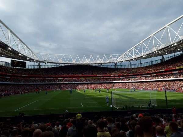 Emirates Stadium, secção: 25, fila: 13
