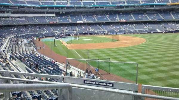 Yankee Stadium, secção: 208, fila: 3, lugar: 15