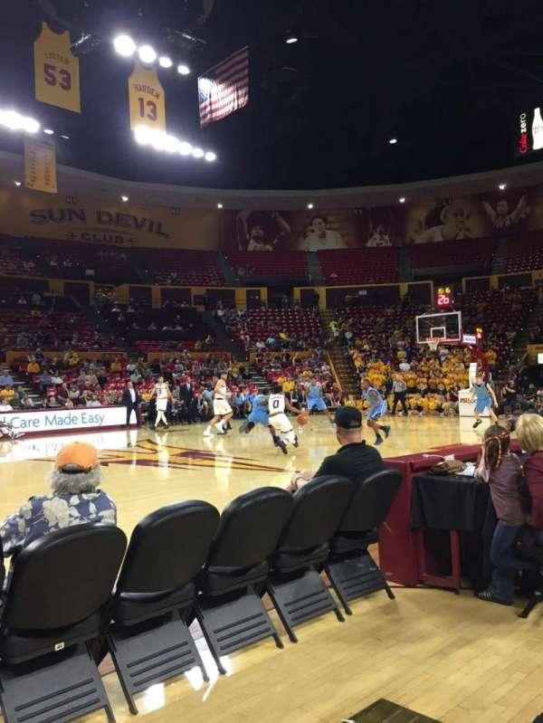 Desert Financial Arena, secção: U, fila: 2, lugar: 7