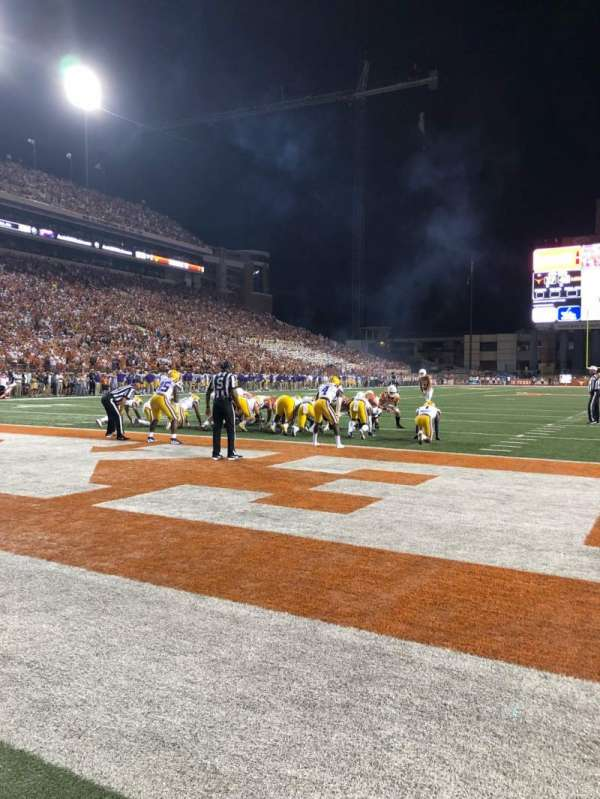 Texas Memorial Stadium, secção: FIELD, fila: 1