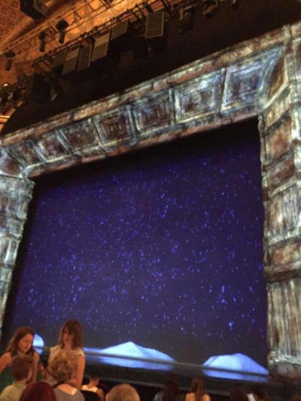 St. James Theatre, secção: Orchestra R, fila: J, lugar: 12