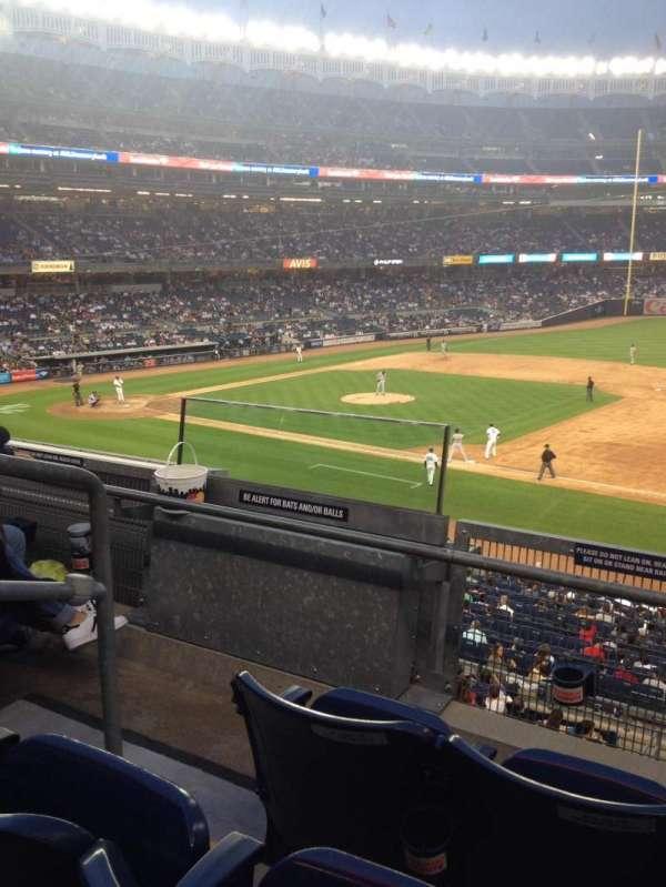 Yankee Stadium, secção: 214A, fila: 3, lugar: 9