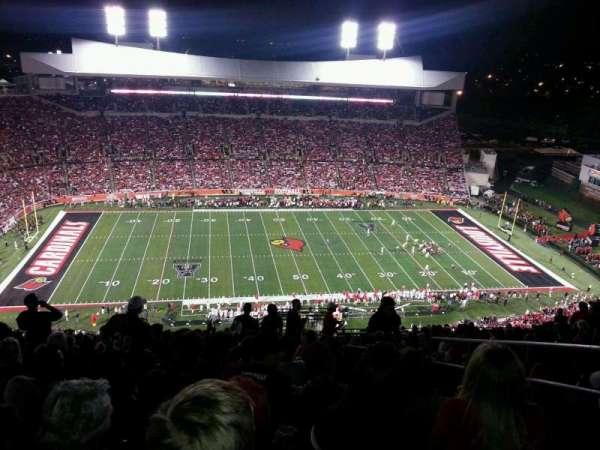 Cardinal Stadium, secção: 8, fila: AA, lugar: 103