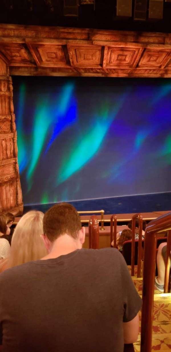 St. James Theatre, secção: Mezzanine R, fila: F, lugar: 1