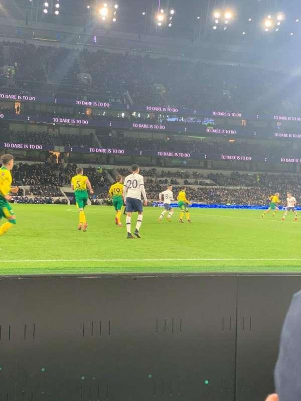 Tottenham Hotspur Stadium, secção: 122, fila: 2, lugar: 678