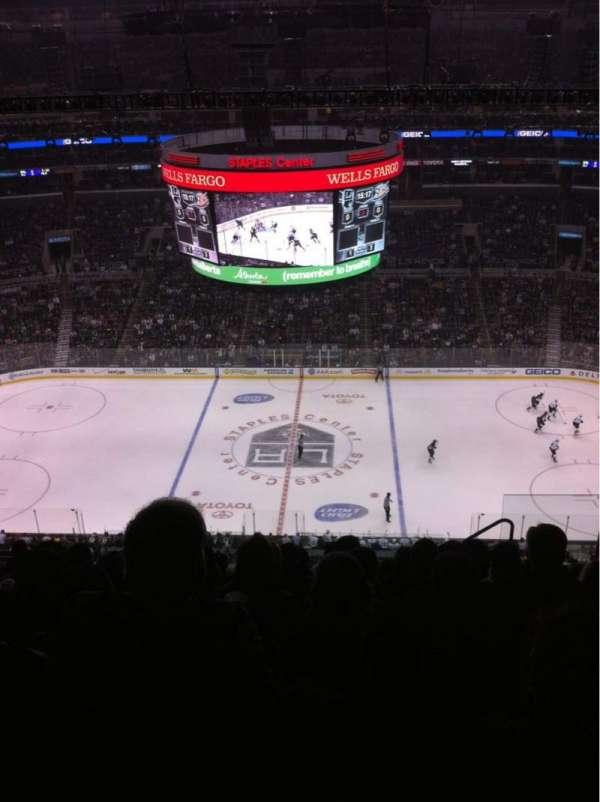 Staples Center, secção: 301, fila: 11, lugar: 4