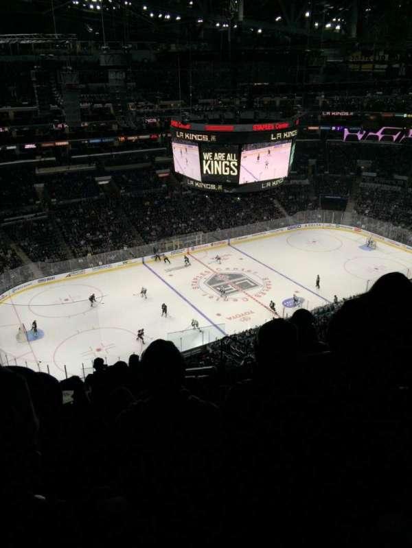 Staples Center, secção: 304, fila: 11, lugar: 4