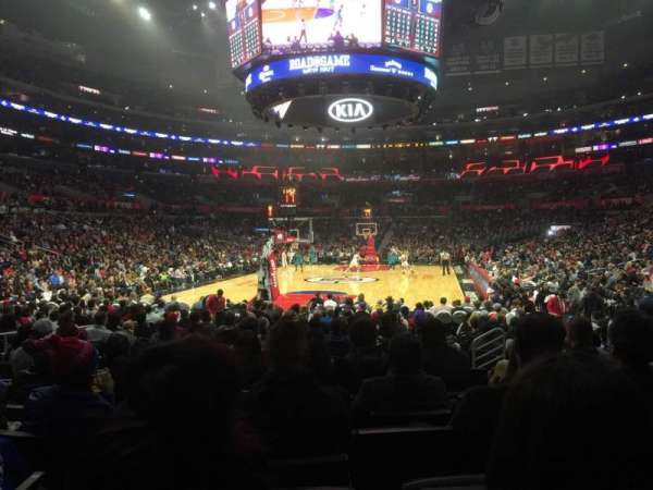Staples Center, secção: 106, fila: 9, lugar: 11