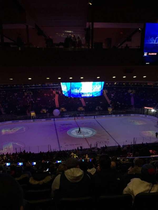 Madison Square Garden, secção: 210, fila: 18, lugar: 13