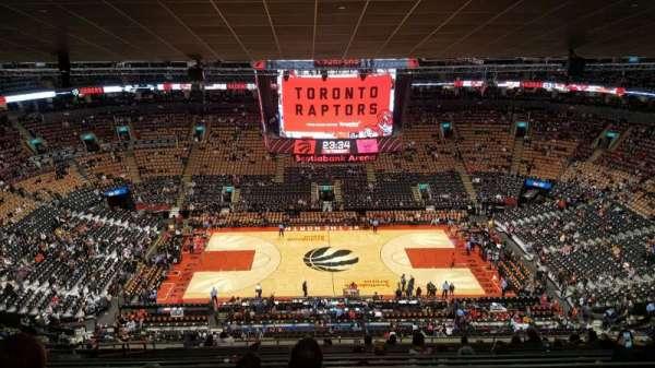 Scotiabank Arena, secção: 321, fila: 16, lugar: 17