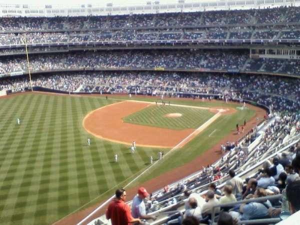 Yankee Stadium, secção: 429, fila: 11, lugar: 7