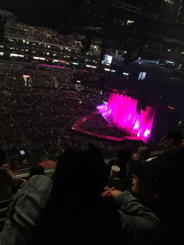 Staples Center, secção: 302, fila: 9, lugar: 20