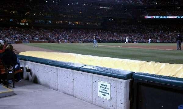 Busch Stadium, secção: Dugout Box 139, fila: C, lugar: 2