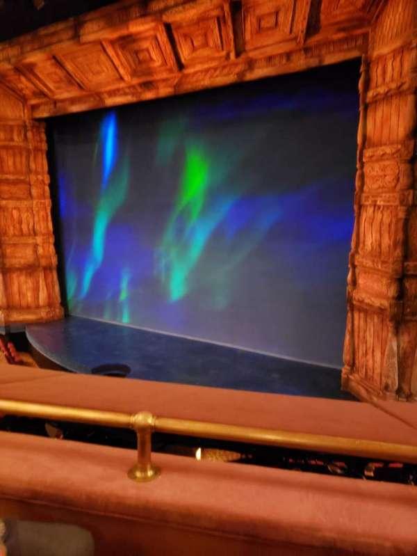 St. James Theatre, secção: Mezz Right, fila: B, lugar: 14