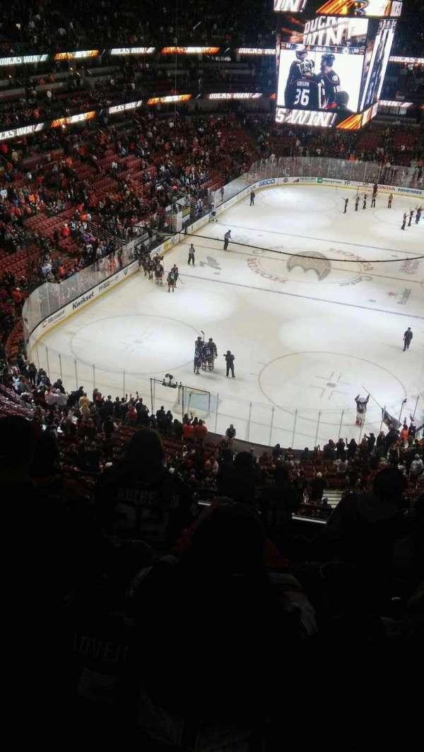 Honda Center, secção: 441, fila: J, lugar: 4-7
