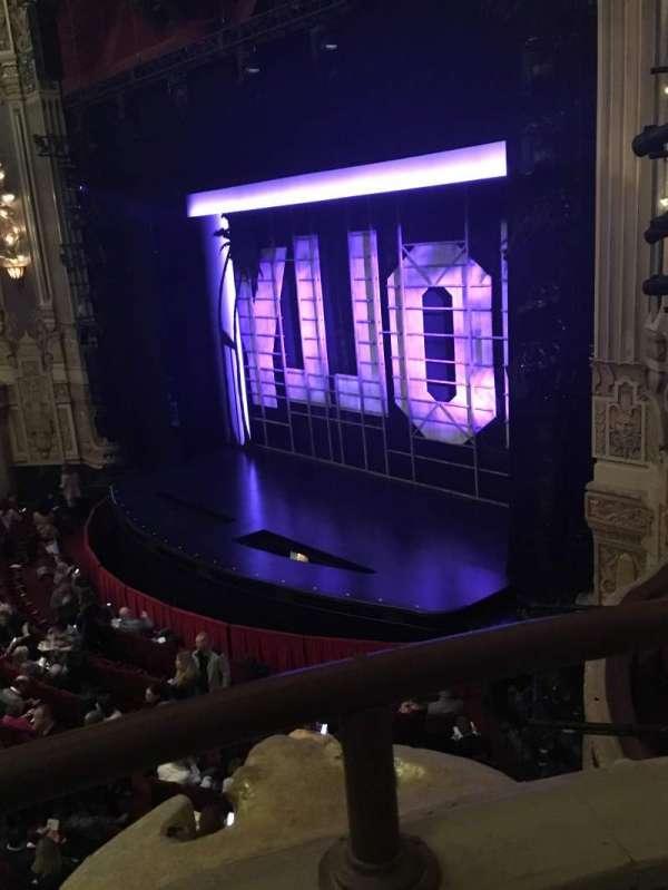 James M. Nederlander Theatre, secção: Loge - Box 2, fila: A, lugar: 372/374