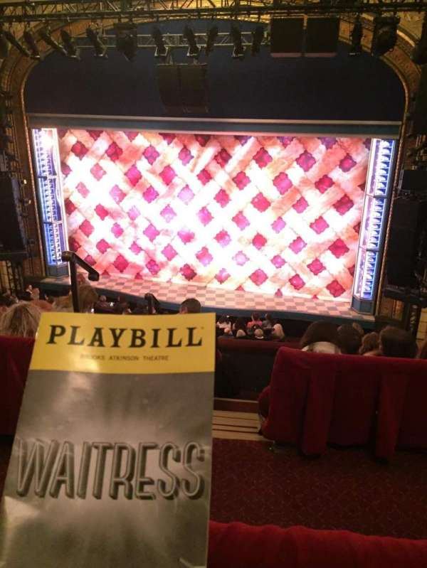 Brooks Atkinson Theatre, secção: Center Mezzanine, fila: E, lugar: 106