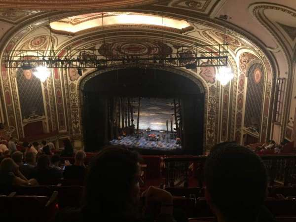 Cadillac Palace Theater, secção: Balcony R, fila: S, lugar: 4