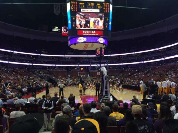 Honda Center, secção: 215, fila: JJ, lugar: 14