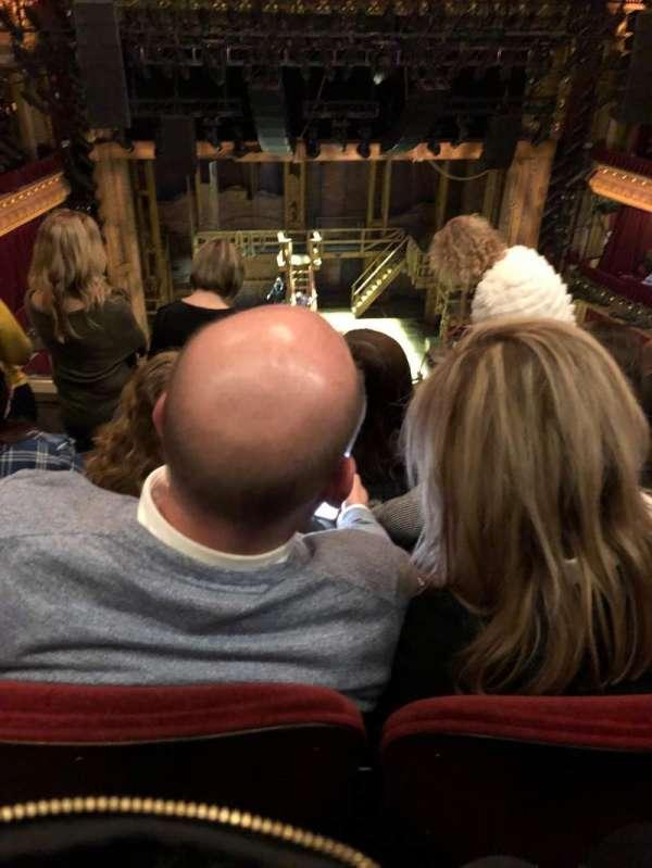 CIBC Theatre, secção: Balcony LC, fila: E, lugar: 409