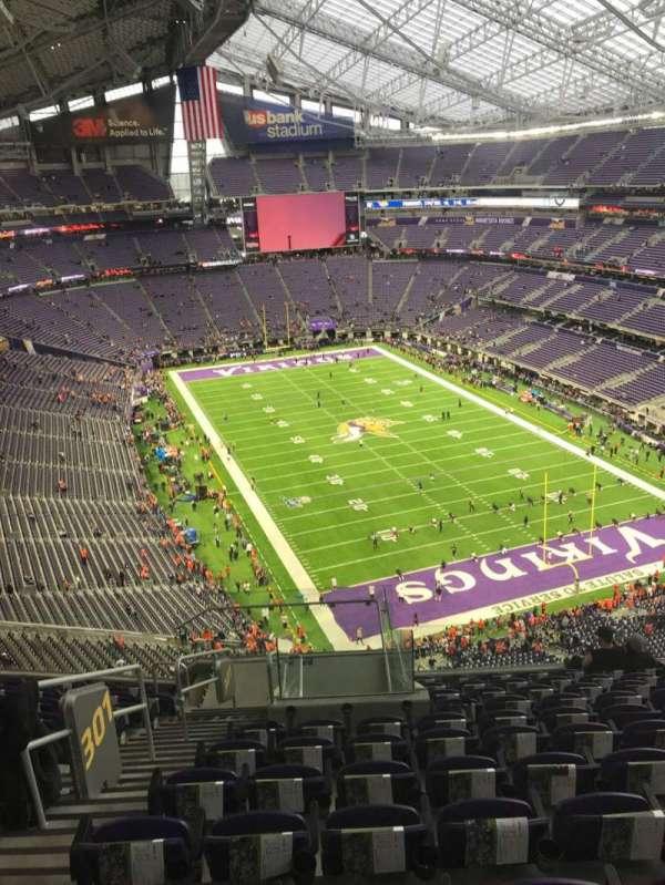 U.S. Bank Stadium, secção: 301, fila: 11, lugar: 13