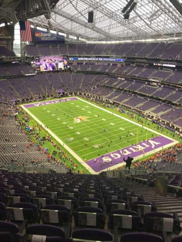 U.S. Bank Stadium, secção: 303, fila: 20, lugar: 2