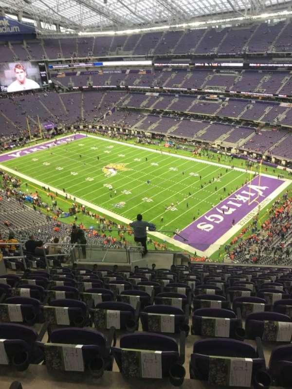 U.S. Bank Stadium, secção: 305, fila: 12, lugar: 12
