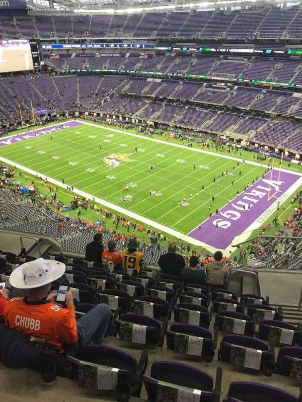 U.S. Bank Stadium, secção: 306, fila: 8, lugar: 3