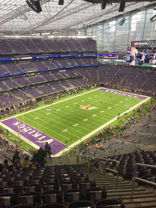 U.S. Bank Stadium, secção: 320, fila: 15, lugar: 3