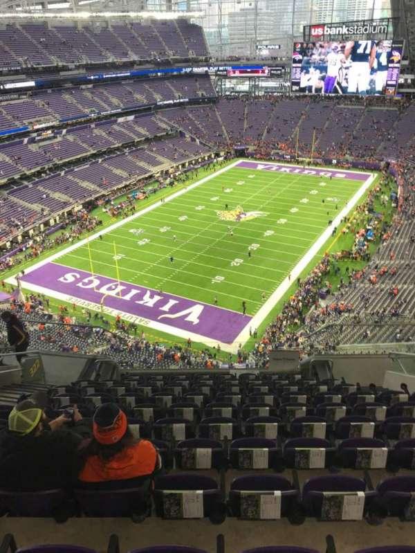 U.S. Bank Stadium, secção: 322, fila: 11, lugar: 12