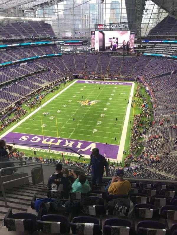 U.S. Bank Stadium, secção: 324, fila: 8, lugar: 12
