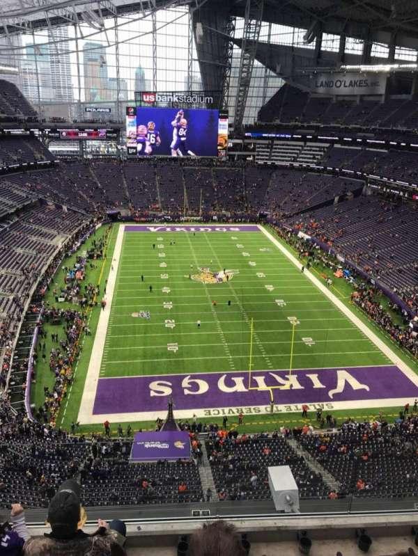 U.S. Bank Stadium, secção: 328, fila: 4, lugar: 7
